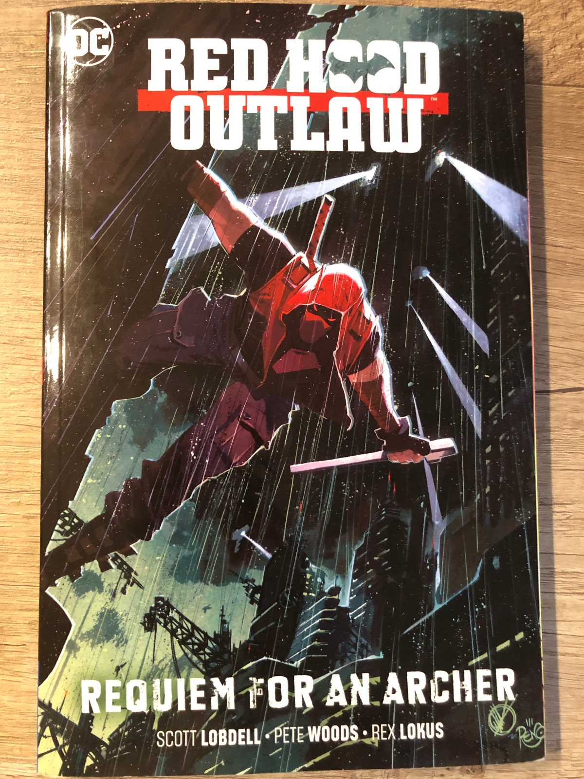 Red Hood, Outlaw Vol. 1: Requiem for an Archer |Review